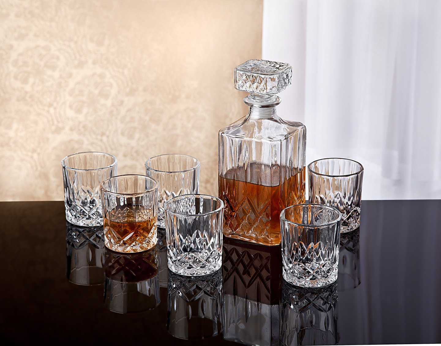 crystal whiskey decanter set 7 x vintage square carafe. Black Bedroom Furniture Sets. Home Design Ideas