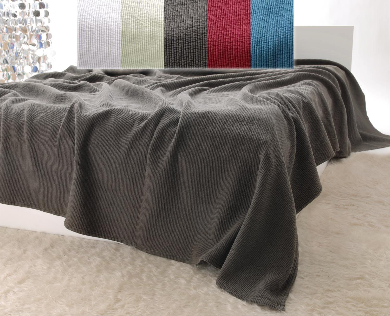 Baumwolldecken Wohnen & Accessoires Edle Tagesdecke, Bettüberwurf Annabelle mit Streifenmuster in moorbraun 260x300cm