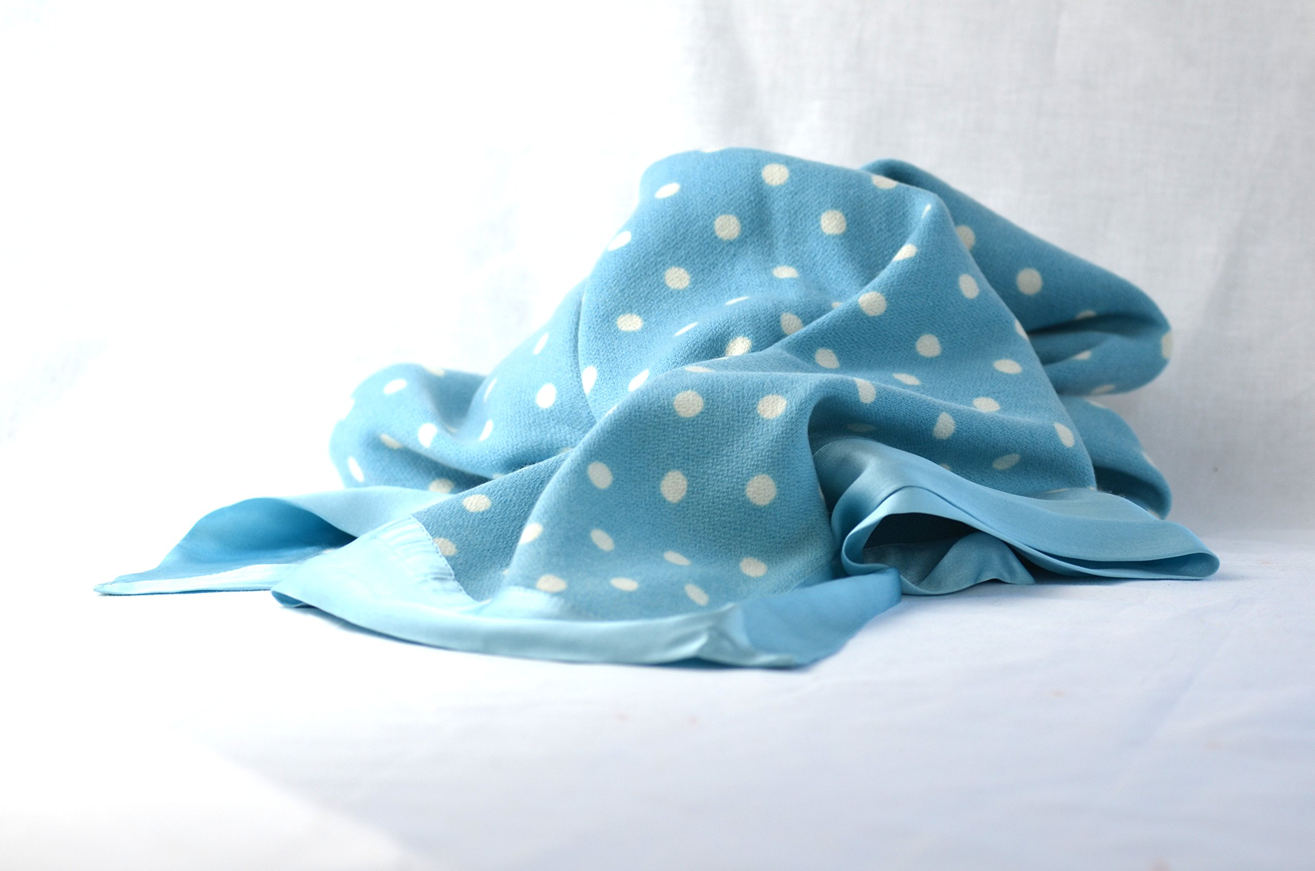 Symrik Cashmere Baby Blanket 100% Pure Handmade Lightweight and Naturally Hypoallergenic (Blue and White Polka)