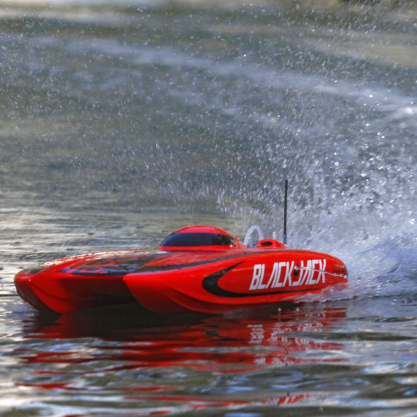 Top 8 Best RC Boats Reviews in 2021 You Should Consider Buying 5