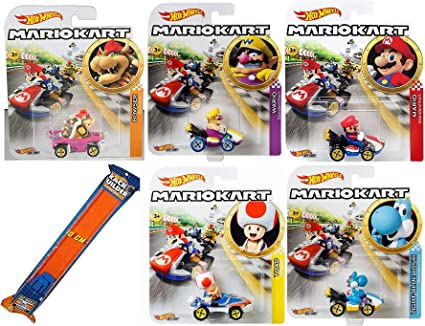 Amazon Com Hot Wheels War Kart Mario Character Car Set Toy
