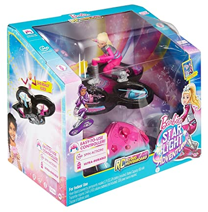 Amazon.com: Muñeca Barbie con disco volador a control ...