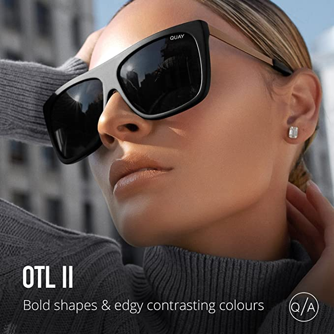 40168e66ec Amazon.com  Quay Australia OTL II Women s Sunglasses Oversized Square  Sunnies - Black Smoke  Quay  Clothing