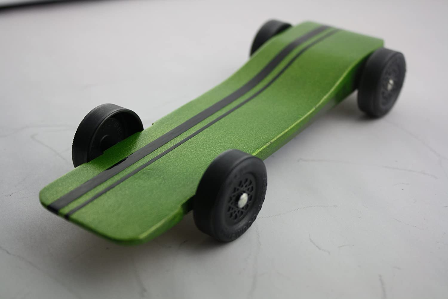 Amazoncom Pinewood Derby Car Kit Fast Speed Complete Ready To - Derby cars