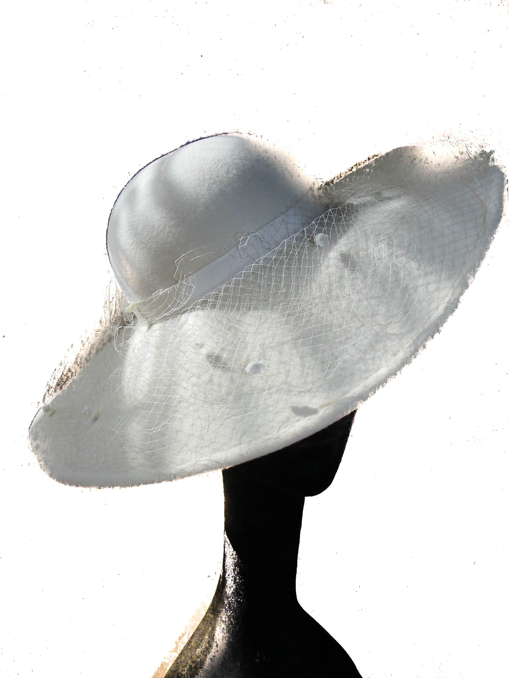 Style Of Individuality Wide Brim Fascinator In Winter White Wool