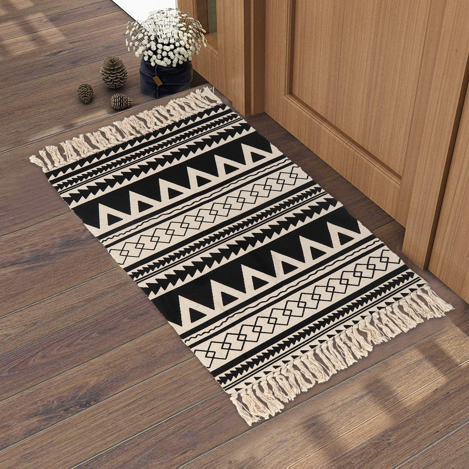 Amazon Com Cotton Woven Rug 2 X 3 Kimode Farmhouse Small Tassels Throw Area Rug Moroccan Washable Fringe Rug Runner For Bathroom Kitchen Bedroom Laundry Doorway Black Kitchen Dining