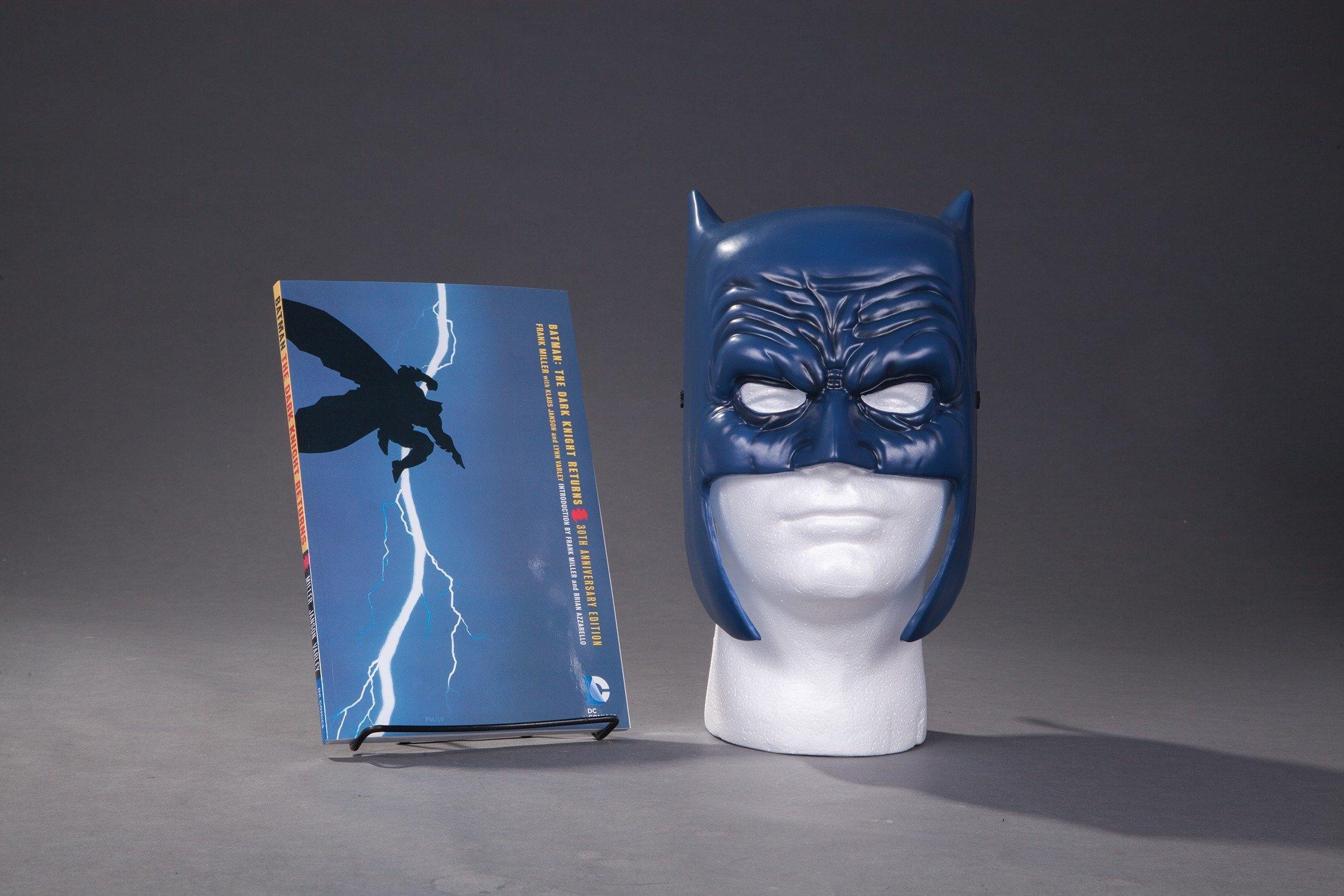 4 x HARDCOVERS Hardbacks BATMAN DARK KNIGHT RETURNS COLLECTORS EDITION BOX SET