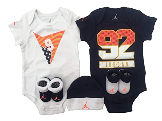 1457b75013e Amazon.com  NIKE Air Jordan Infant Boys Girls 5-Piece Set (6-12 Months