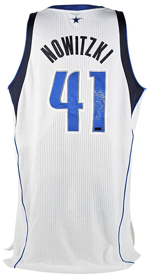 online retailer db287 41787 Mavericks Dirk Nowitzki Signed White Jersey 2013 Game Used ...