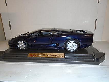 Maisto 1:12 Scale 1992 Jaguar XJ220 Die Cast Metal