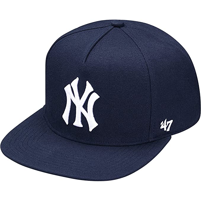 ec8980392a7 Supreme Men s New York Yankees 5-Panel Hat Navy  Amazon.in  Clothing ...