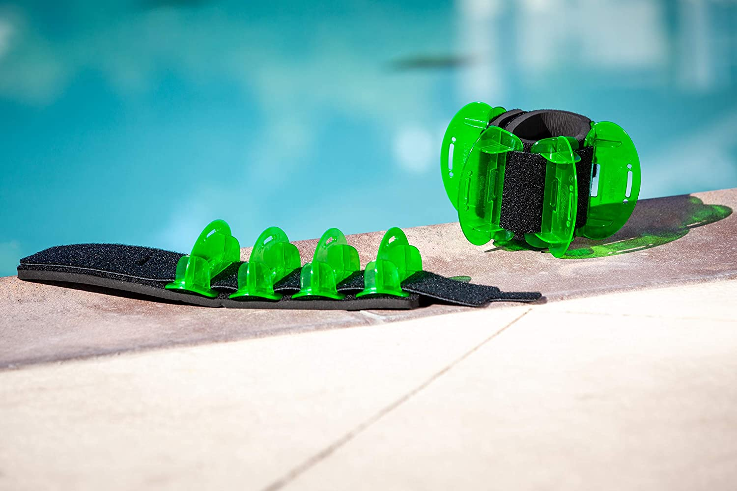 Pair AquaLogix Low Resistance High Speed Hybrid Aquatic Training Fin LRPCFIN Green Includes Online Access Demonstration Video /& Workout Program