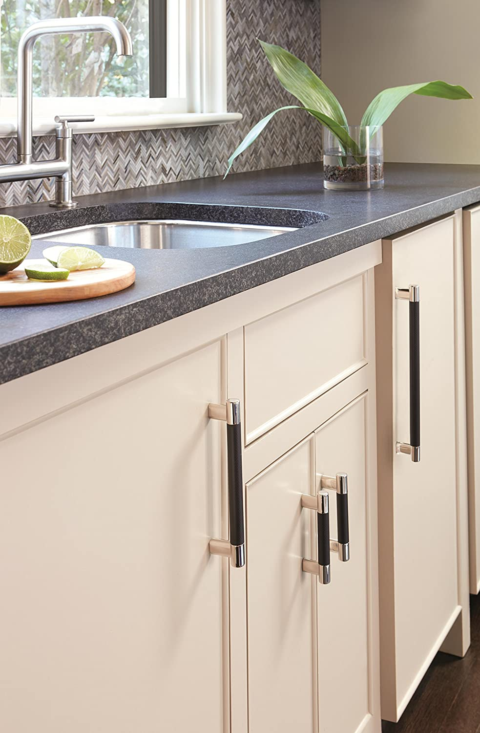 Amerock BP36557PNGM Esquire 3in /& 3-3//4in. 76mm /& 96mm Polished Nickel//Gunmetal Center Cabinet Pull