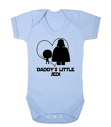 """Divertido pijama con diseño de la Guerra de las Galaxias y el texto """"Daddys"""