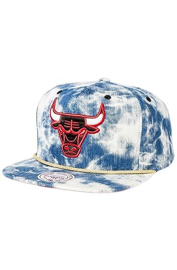 deb39f44 Mitchell & Ness Men's Chicago Bulls Acid Wash Snapback Hat