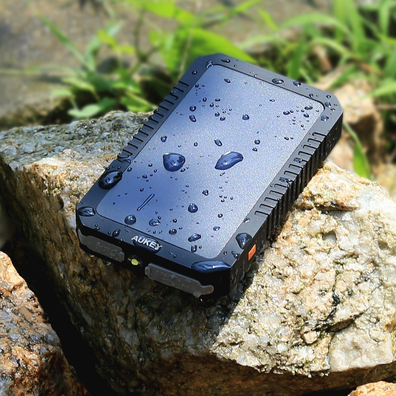 Pannelli Solari Sunpower /& Uscite USB Dual USB 3.4A per iPhone X // 8//8 Plus // 7//7 Plus AUKEY Caricabatterie Portatile Solare 12000mA con Due Porte USB LG Samsung Galaxy S7 // S6 // Edge iPad