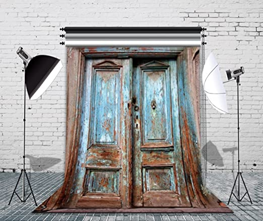 7x5ft Polyester Photography Backdrop Shabby Chic Old Castle Gate Wooden Door Lamp Photo Background Children Baby Adults Portraits Backdrop