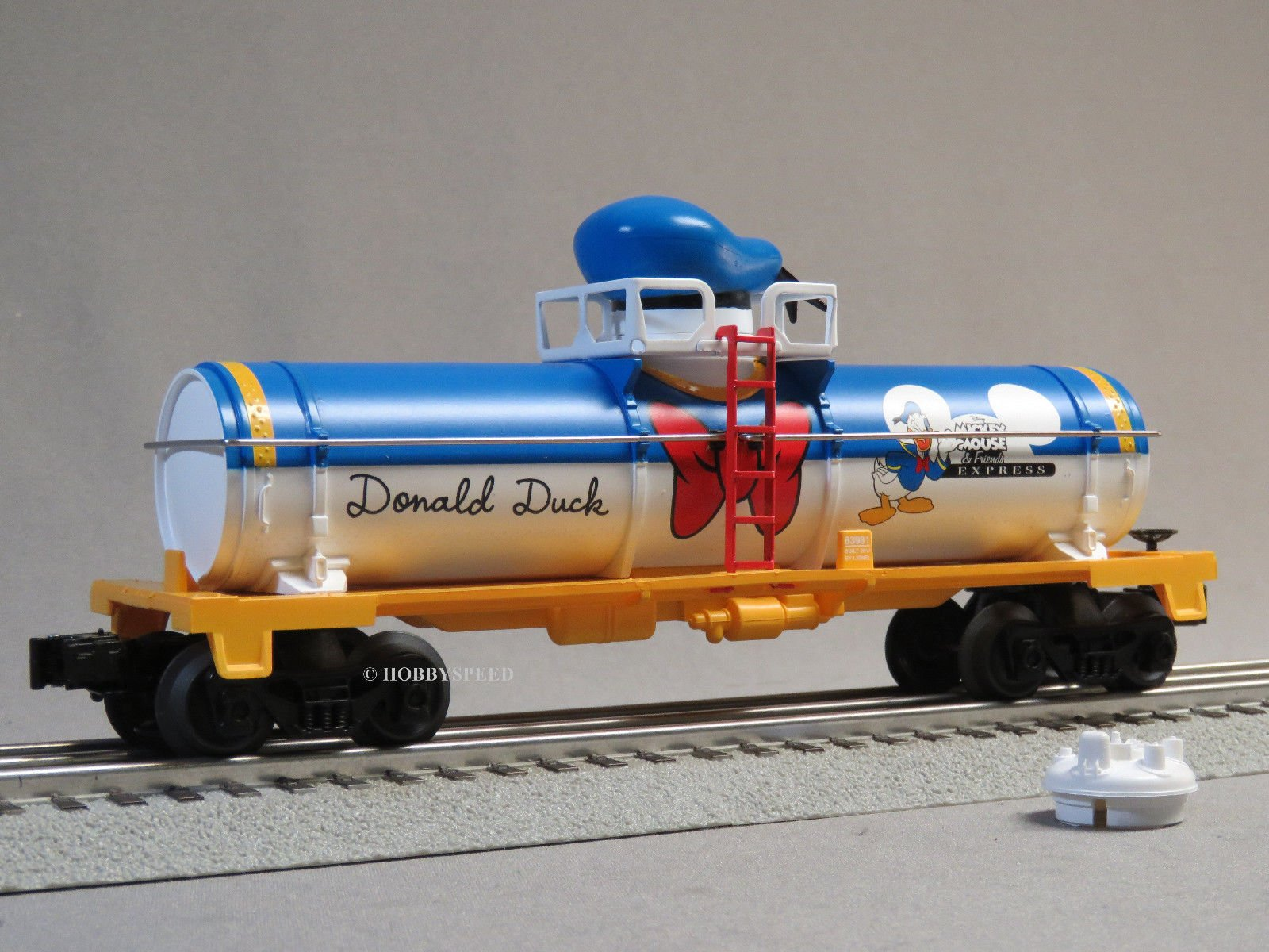 LIONEL MICKEY MOUSE & FRIENDS DONALD DUCK TANK CAR O GAUGE