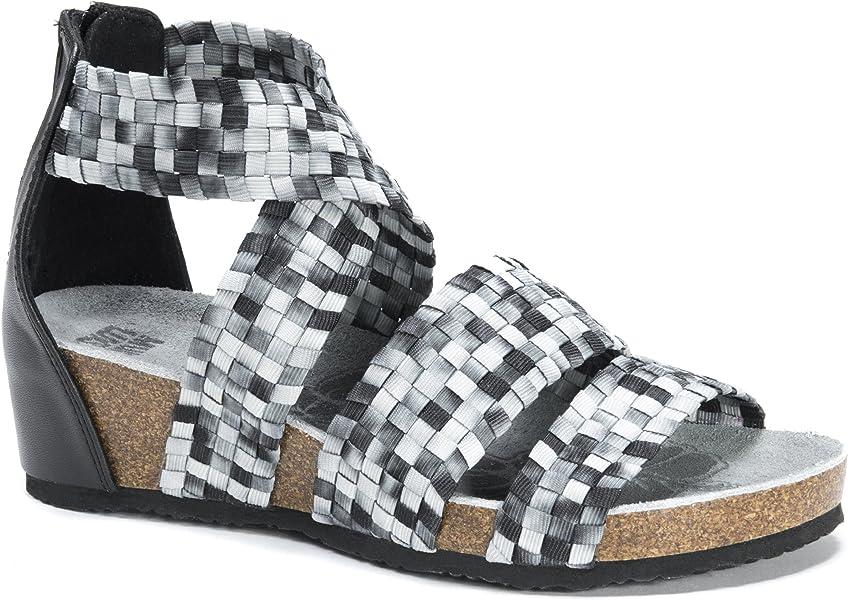 02028d4f3fe3 MUK LUKS Women s Elle Wedge Sandals Flat