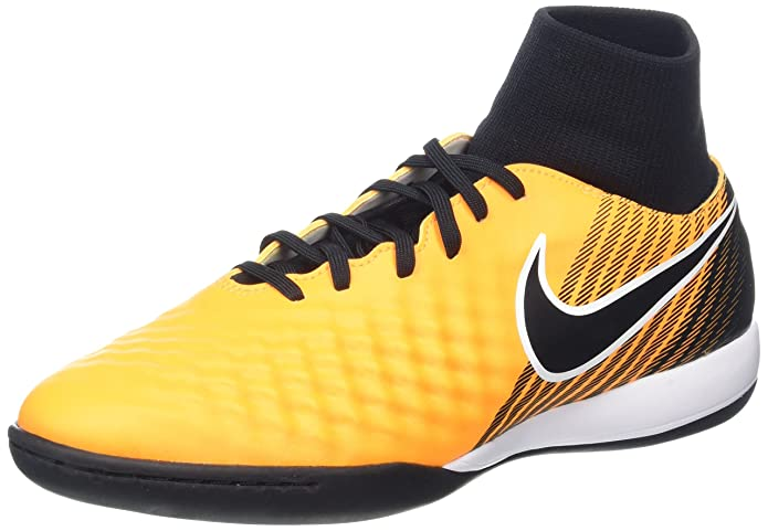 best service d3835 add8b Amazon.com   Nike Men s Magistax Onda II Dynamic Fit Indoor Soccer Shoes US    Soccer