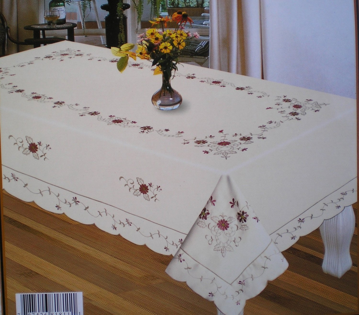 Cambridge Embroidery Table Top Table Close (70 in Round, Off white)