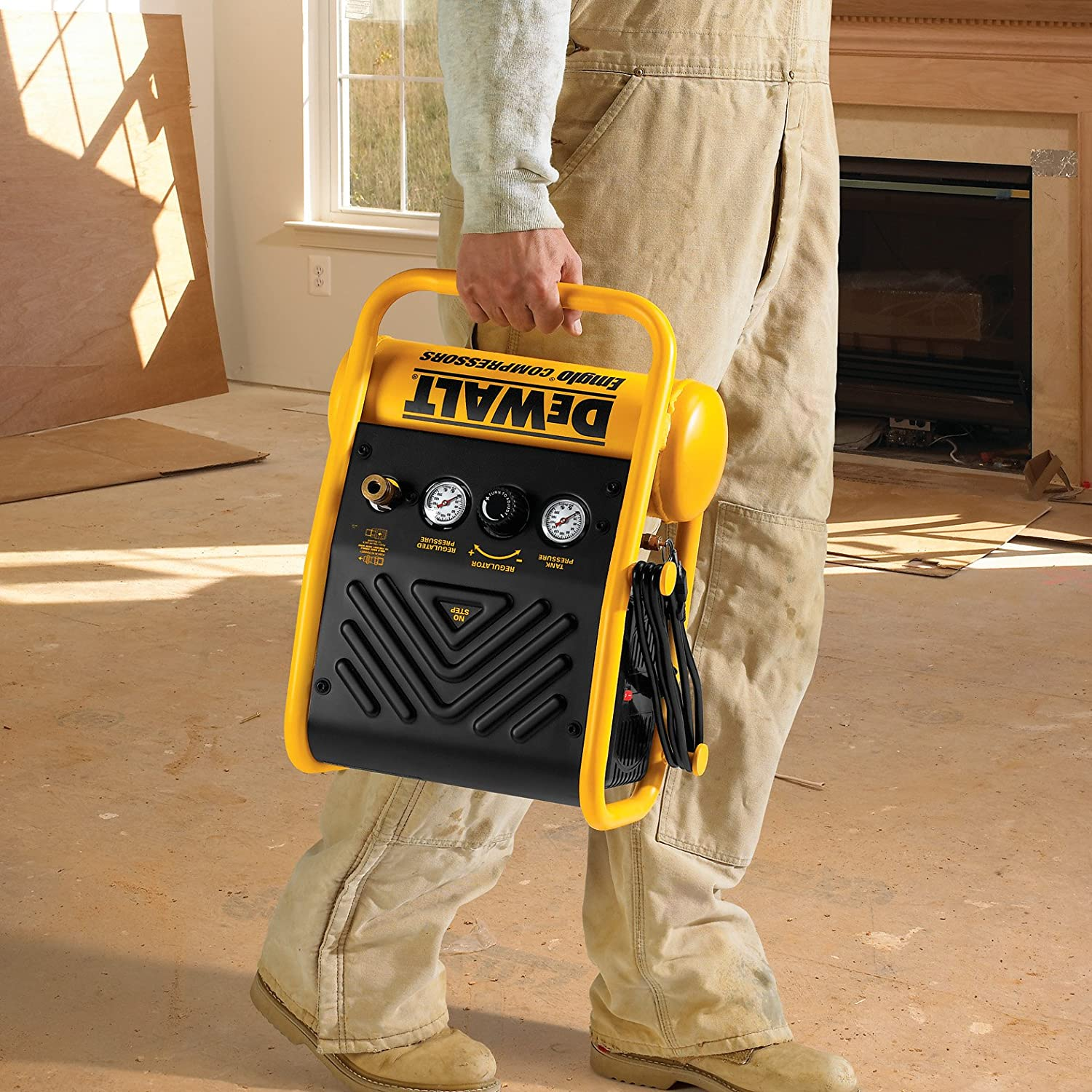 amazon com dewalt d55140 1 gallon 135 psi max trim compressor amazon com dewalt d55140 1 gallon 135 psi max trim compressor home improvement