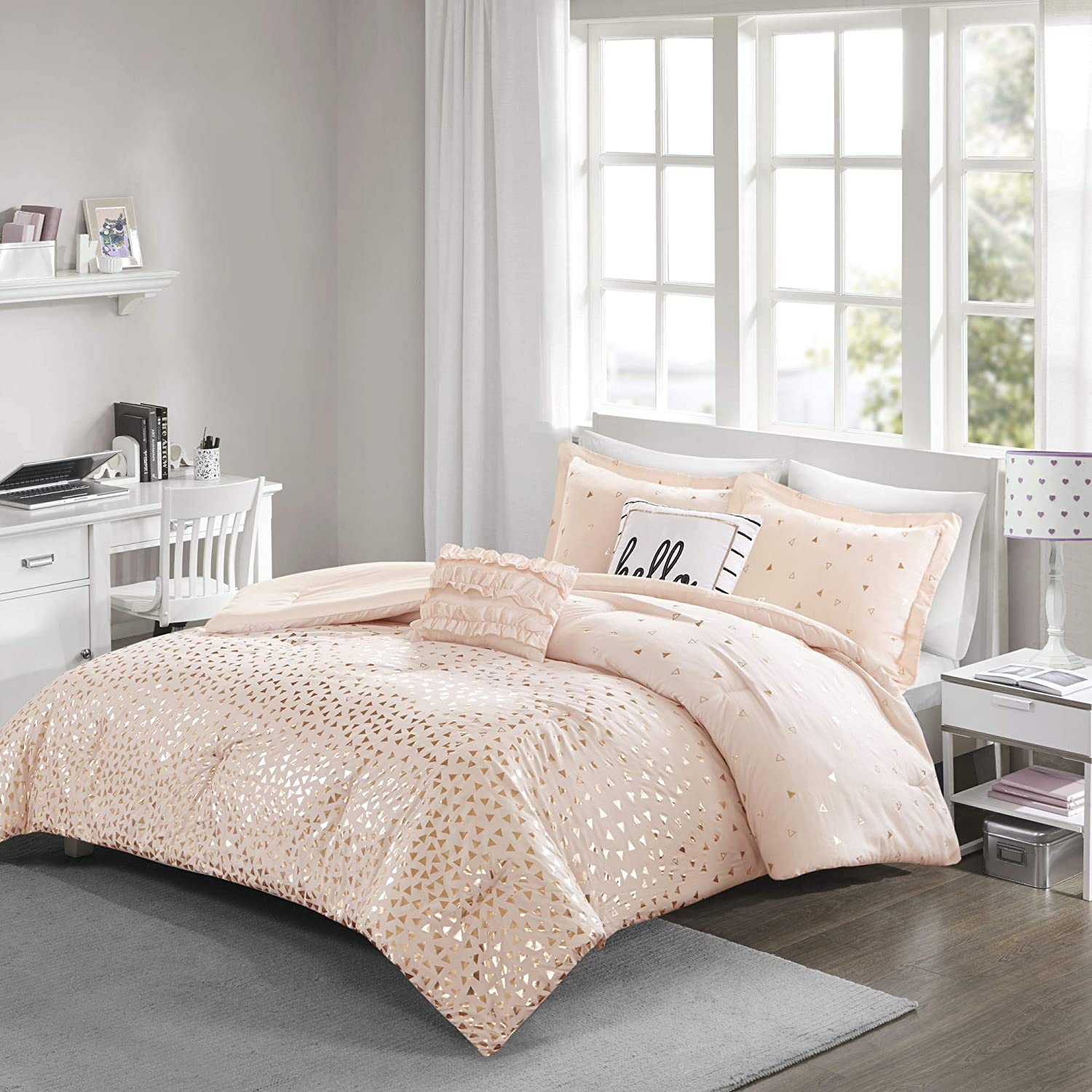 Intelligent Design Zoey Comforter Reversible Triangle Metallic Printed 100% Brushed Ultra-Soft Overfilled Down Alternative Hypoallergenic All Season Bedding-Set, Full/Queen, Blush/Rosegold