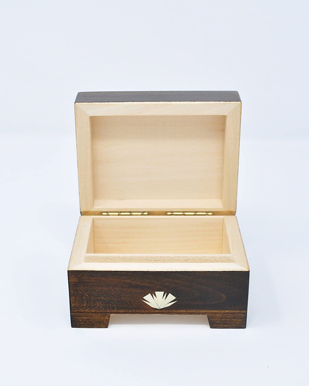 Amazon.com: Caja de madera decorada, color marrón, fabricada ...