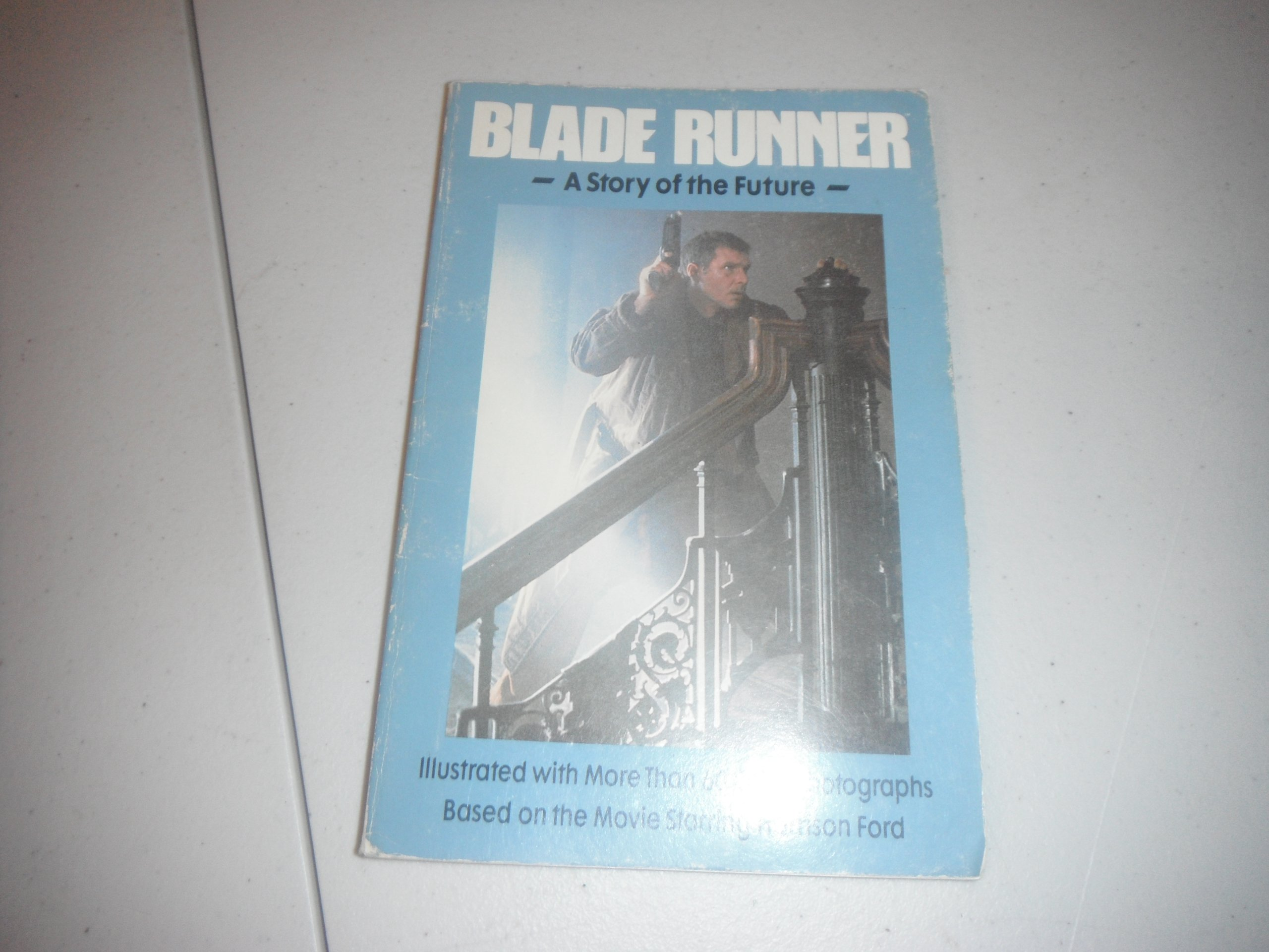Blade Runner: A Story of the Future: Les Martin: 8601422442892: Amazon.com:  Books