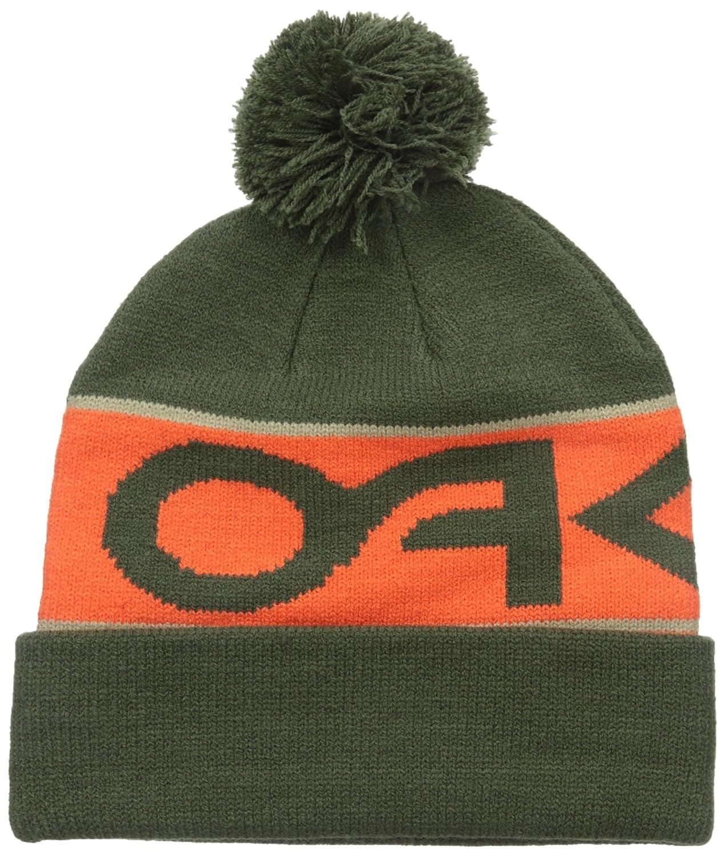 b1a10505360 Amazon.com  Oakley Men s Factory Cuff Beanie