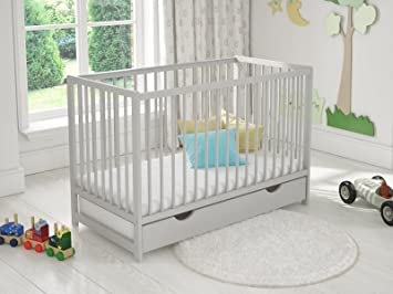Wooden Baby Cot Bed✔Mattress✔Top Changer✔Teething rails-Converts  Junior Bed a.