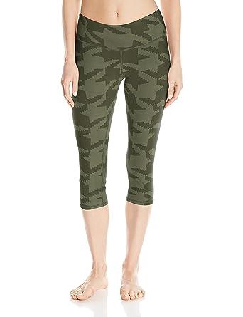 9e7e6ba19d Alo Yoga Women's Airbrush Capri Legging at Amazon Women's Clothing ...