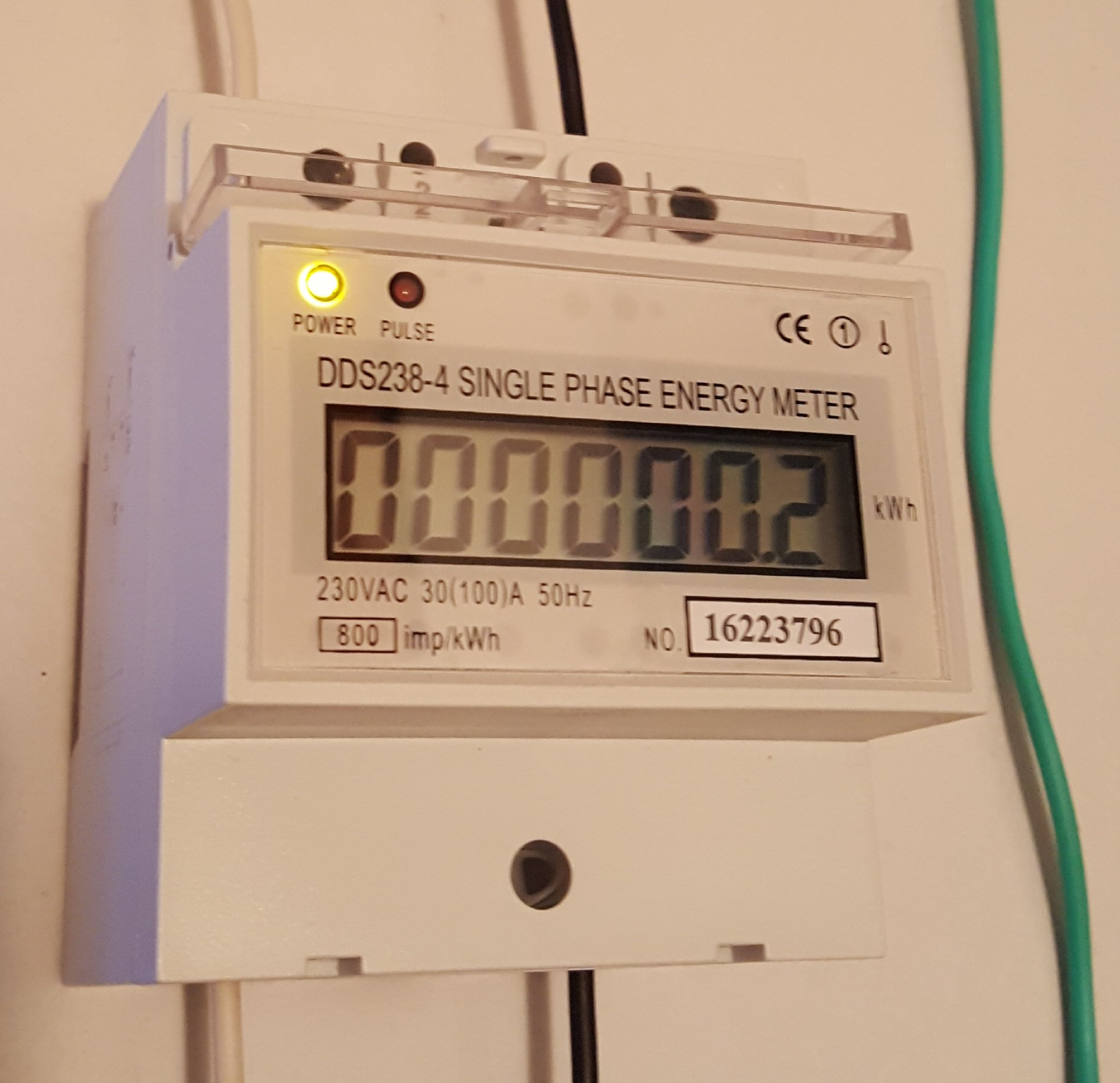 Pass-through DIN Rail 120 240 Volts. KWh energy meter