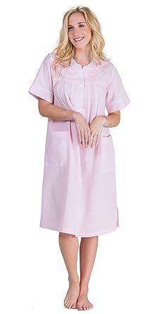 Miss Elaine Women s Seersucker Solid Short Gripper Robe at Amazon Women s  Clothing store  0f2892624