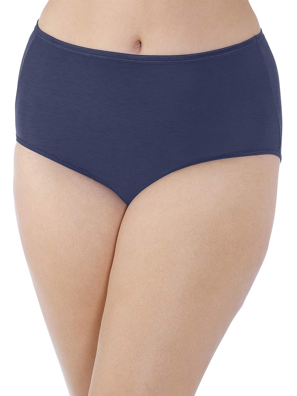 20ef215e3d3 Vanity Fair Women s Plus Size Illumination Brief Panty 13811 at Amazon  Women s Clothing store