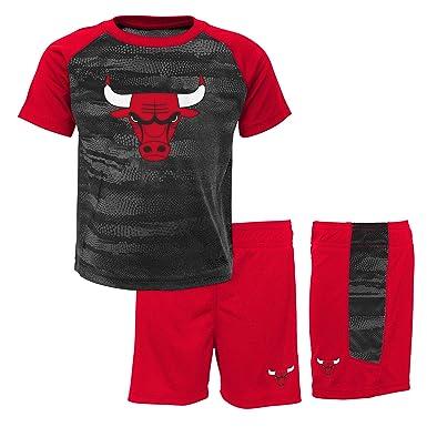 1572dba38b9c NBA Boy s Chicago Bulls-Shorts and T-Shirt Set Sportswear  Amazon.co ...