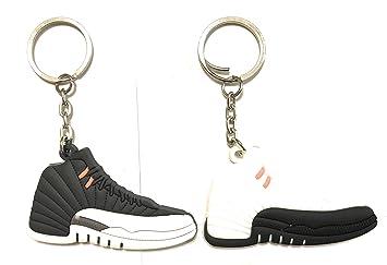 Amazon.com: Zapato Sneaker Llaveros aj-12 Retro Paquete de 2 ...