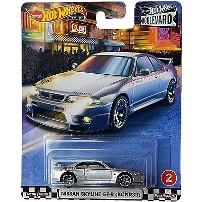 Hot Wheels Boulevard Nissan Skyline GT R (BCNR33), Silver: Toys & Games
