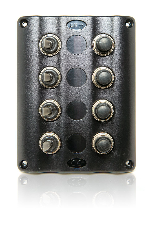 Amazon.com: GENSSI Auto / Marine LED Toggle Switch Panel with Circuit  Breaker (TB4/S1S4 4 Switch Plus): Automotive