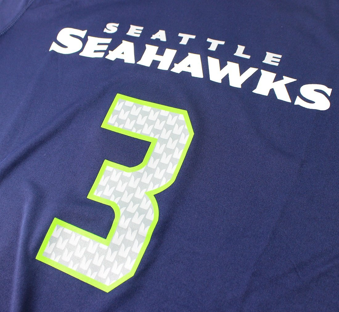4a5607401 Amazon.com   Russell Wilson Seattle Seahawks  3 NFL Youth Performance  Mainliner Name   Number T-Shirt Jersey   Sports   Outdoors