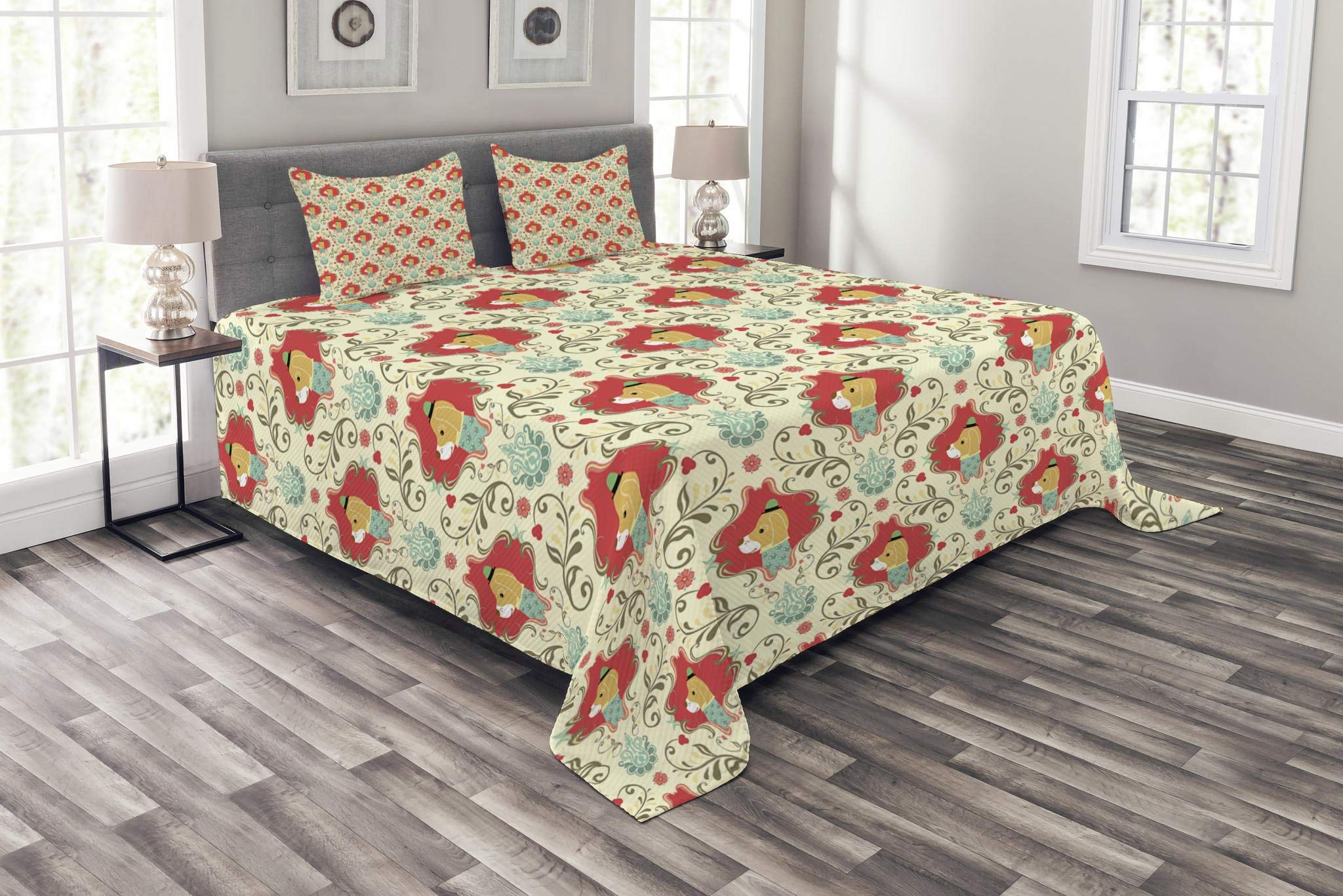 Lunarable Animal Bedspread Set Queen Size, Cute Puppies Dog Pattern with Chevron Classic Victorian Effects Design, Decorative Quilted 3 Piece Coverlet Set with 2 Pillow Shams, Cream Red Mint Green