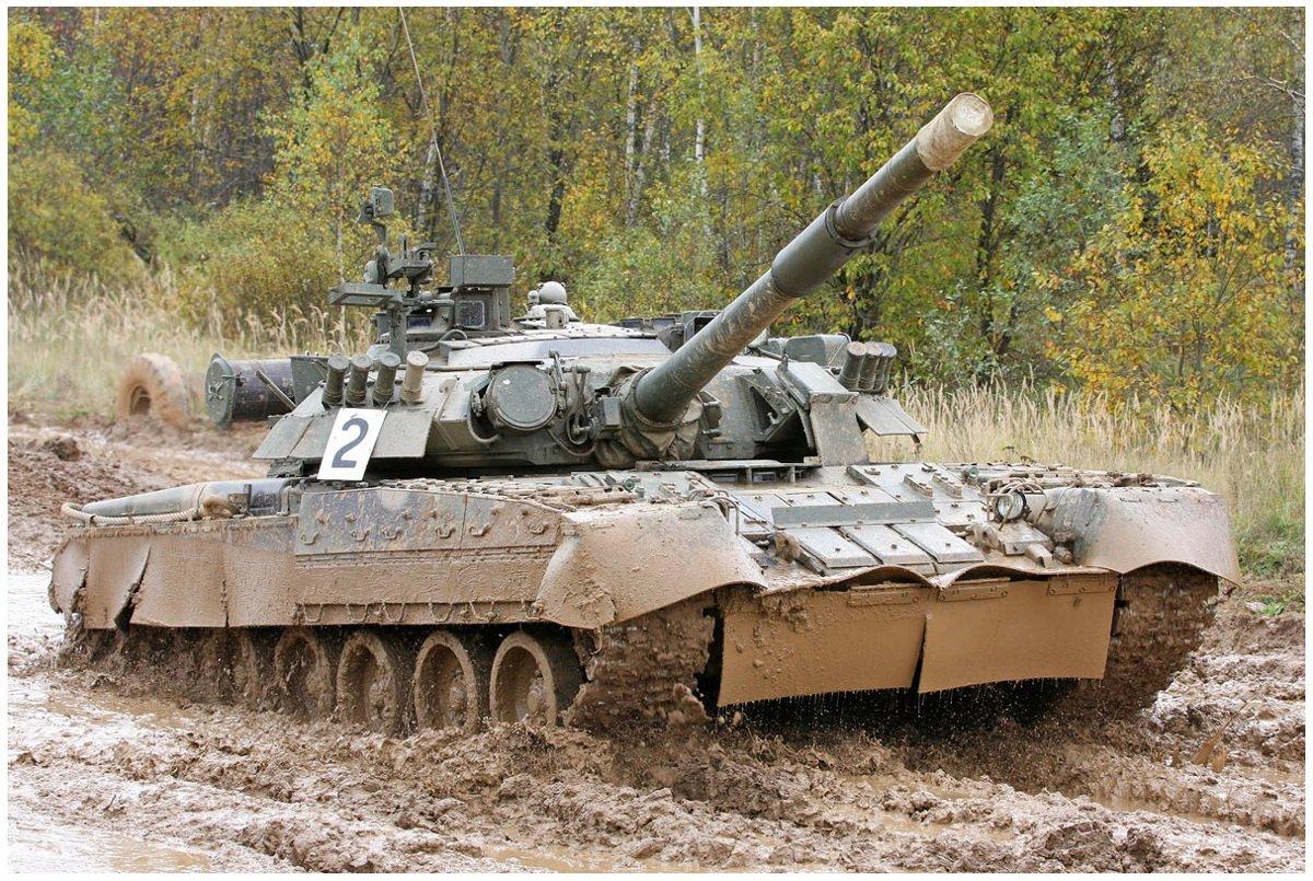 Trumpeter 1:35 - Russian T-80u Main Battle Tank