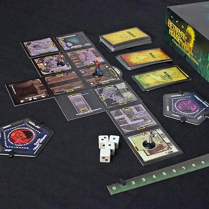 Avalon Hill / Wizards of the Coast 26633 Betrayal at House on the Hill - Juego de mesa de misterio (en inglés) , color/modelo surtido: Amazon.es: Juguetes y juegos