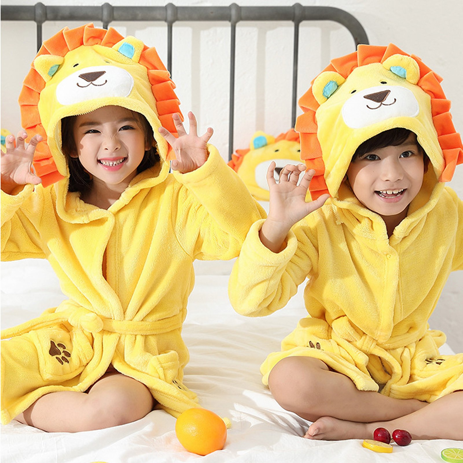EPLAZA 3-6 Year Girl Boy Flannel Hooded Cute Animal Robe Sleepwear Kid Bathrobe Convertible Pillow (Tag 120, Yellow Lion) by EPLAZA (Image #2)