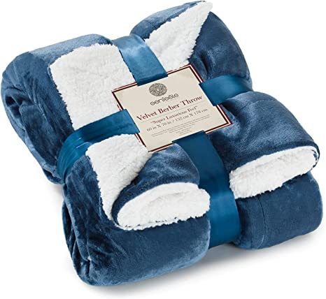 Amazon Com Genteele Sherpa Throw Blanket Super Soft Reversible Ultra Luxurious Plush Blanket 60 Inches X 70 Inches Navy White Home Kitchen