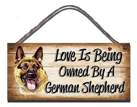 Carcasa de madera con texto en inglés pastor alemán diseño de perro con texto en inglés