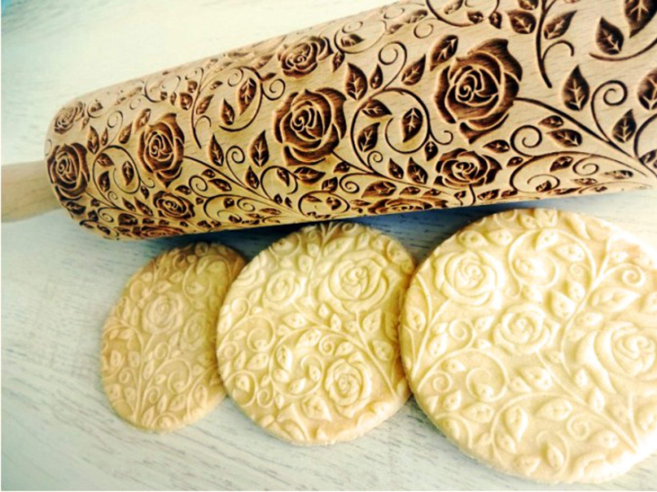 Damascus Roses embossing rolling pin. Wooden embossing rolling pin with Rose. Roses wreath. Flower rose. by Sun Crafts