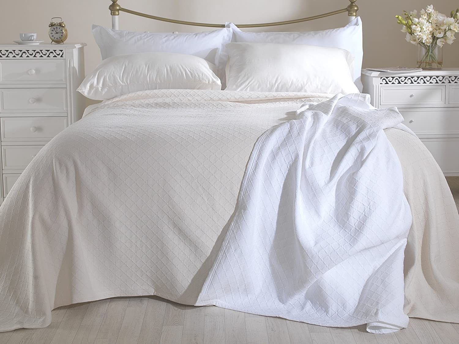 Lancashire Textiles Matelasse Cotton Rich Diamond Pattern Embossed Arina Double Bedspread in White