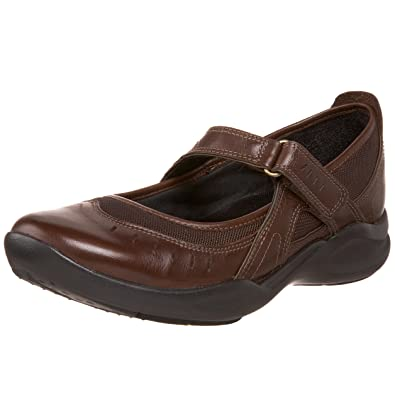 clarks brown shoes womens