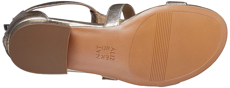 e102f9c750b4 Amazon.com  Naturalizer Women s Mabel Flat Sandal  Naturalizer  Shoes